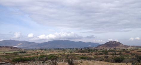 Vista del valle de Oaxaca desde Dainzú