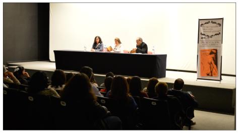 En la mesa de presentación, desde la izquierda: Josefina Larragoiti, yo, Eduardo Casar Fotos: Fernanda Santibáñez Maldonado (alias, mi guapa sobrina)