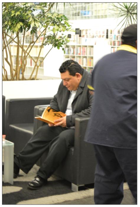 Lector urgido de leer