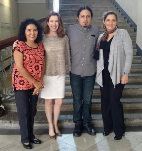 En Tepic, la doctora Lourdes Pacheco (de la Universidad Autónoma de Nayarit y organizadora del concurso), yo, Alejandro Artxaga y Karla San Domingo, después de haber dado la noticia por teléfono al ganador.
